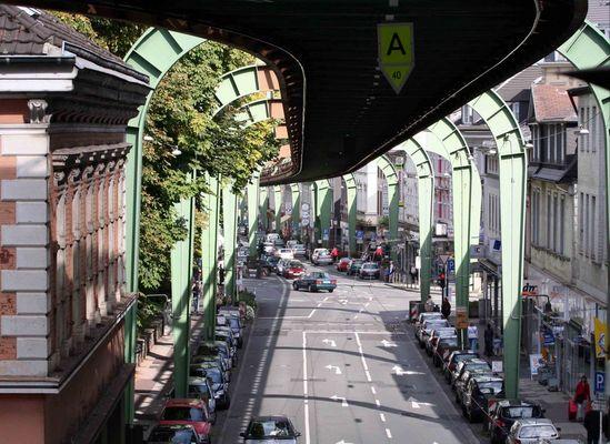 Endbahnhof W - Vohwinkel....