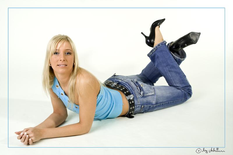 ....endlich kann Romina sich mal erholen...eine entspannte Pose ;-)