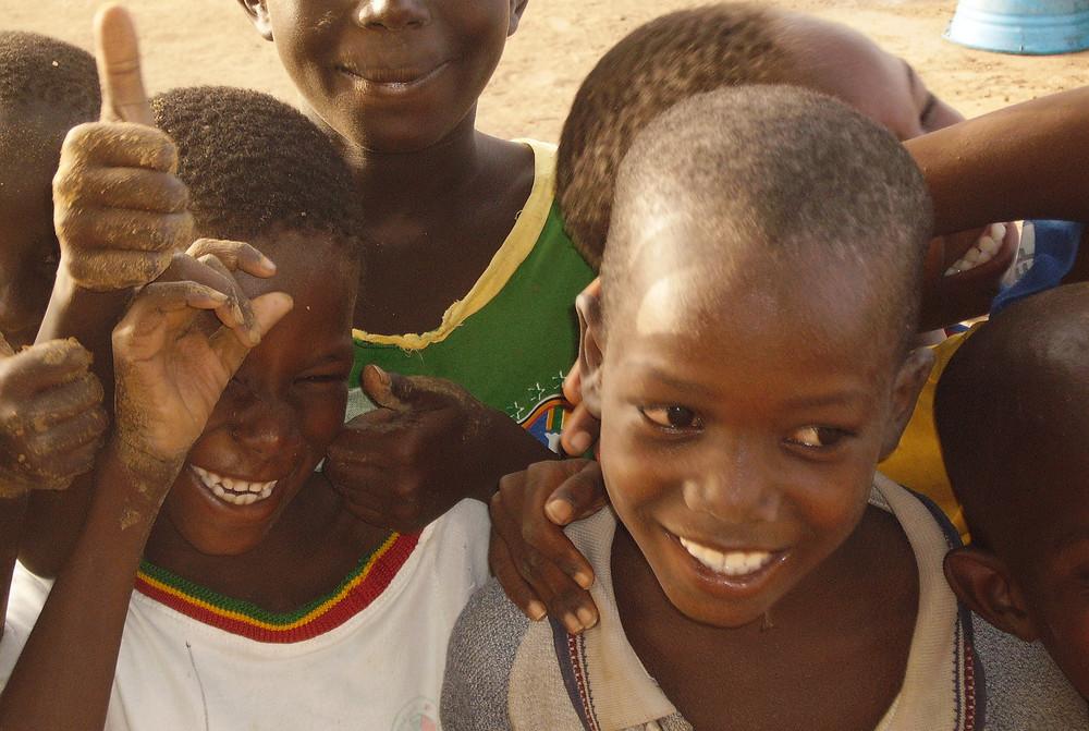 enfants dans le village de Saye en Mauritanie