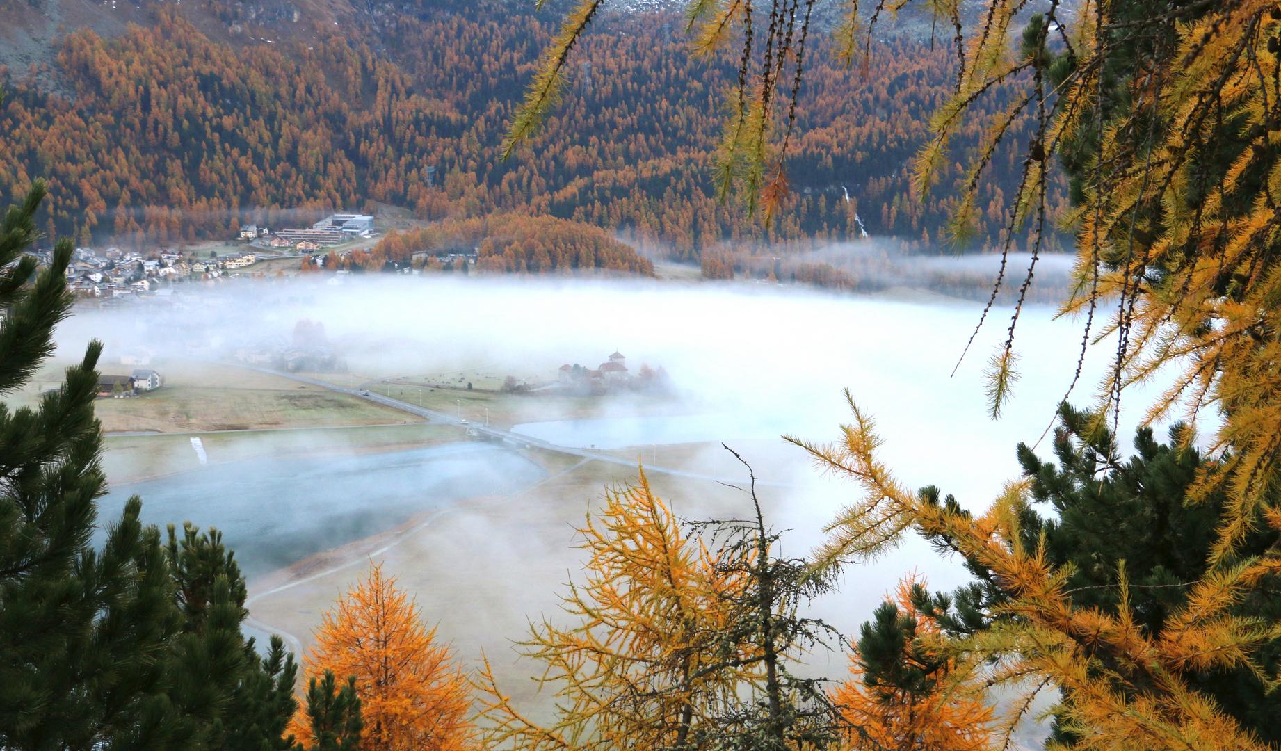 Engadin: der Nebel lichtet sich langsam...