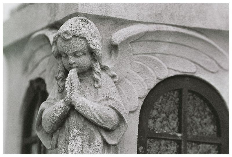 Engel an Laterne