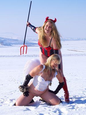 Engel & Teufel im Schnee