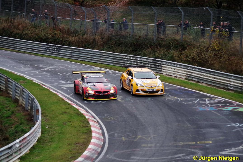 Enger Zweikampf zwischen Opel und BMW