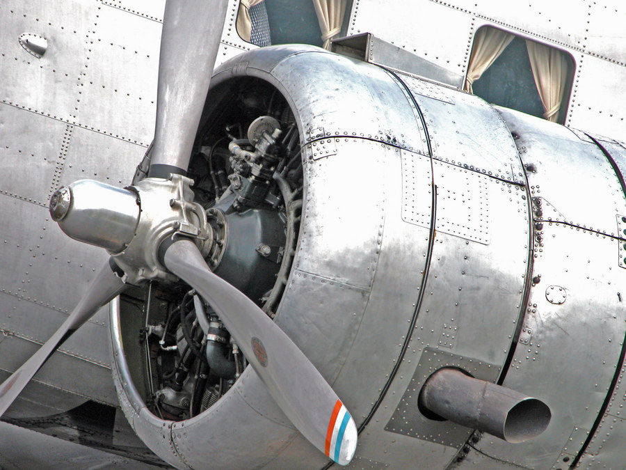 Engine of DC-2