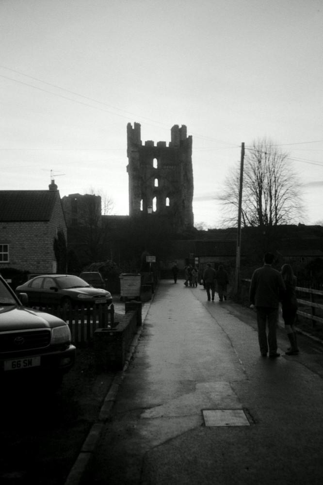 England - der Südturm der Helmsley Castle Ruine