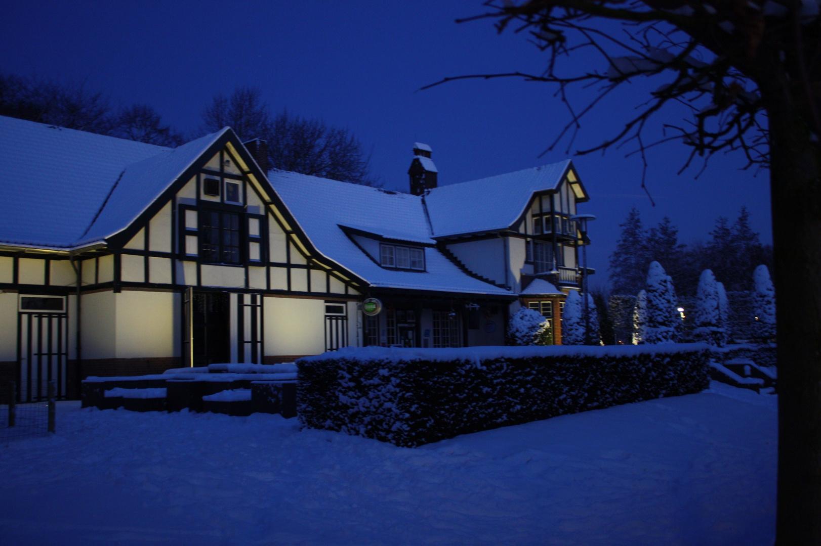 English Farmhouse in the snow