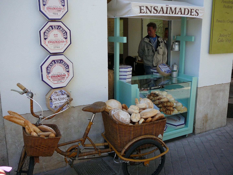Ensaimades,die Spezialität der Balearen