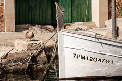 Ente im Hafen von Cala Figuera