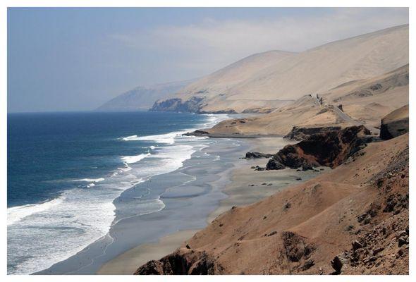 entlang der peruanischen Pazifikküste in Richtung Nazca