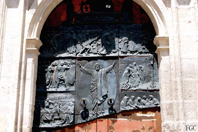 Entrada de Iglesia en Cuenca