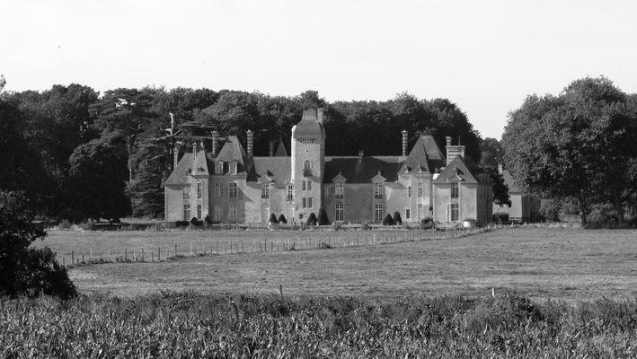 entre Bayeux et Port en Bessin le Château de Maisons