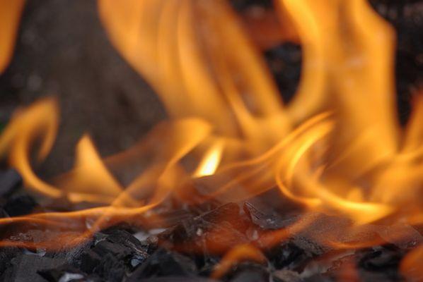 Entre braises et flammes ...