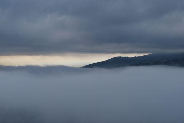 Entre deux couches de nuages