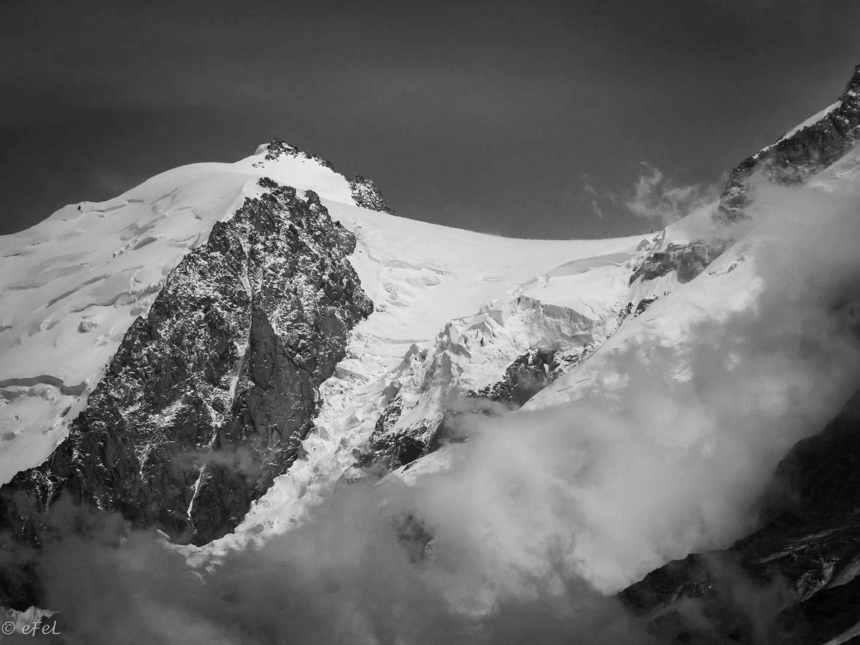 entre nuages et ciel : le roc et la neige !