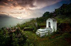 Entre tumbas