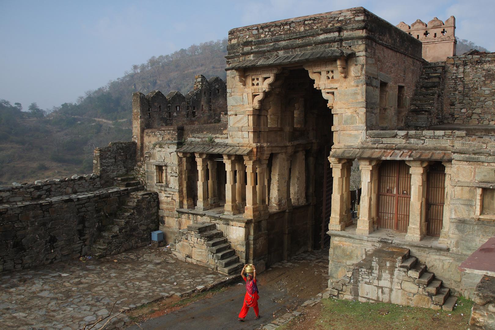 Entrée de la forteresse de Kumbhalgarh, montagnes du Rajasthan