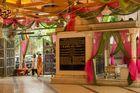 "Entrée du temple Jaïn ""Babu Amichand Panalal Adishwarji"" à Bombay"