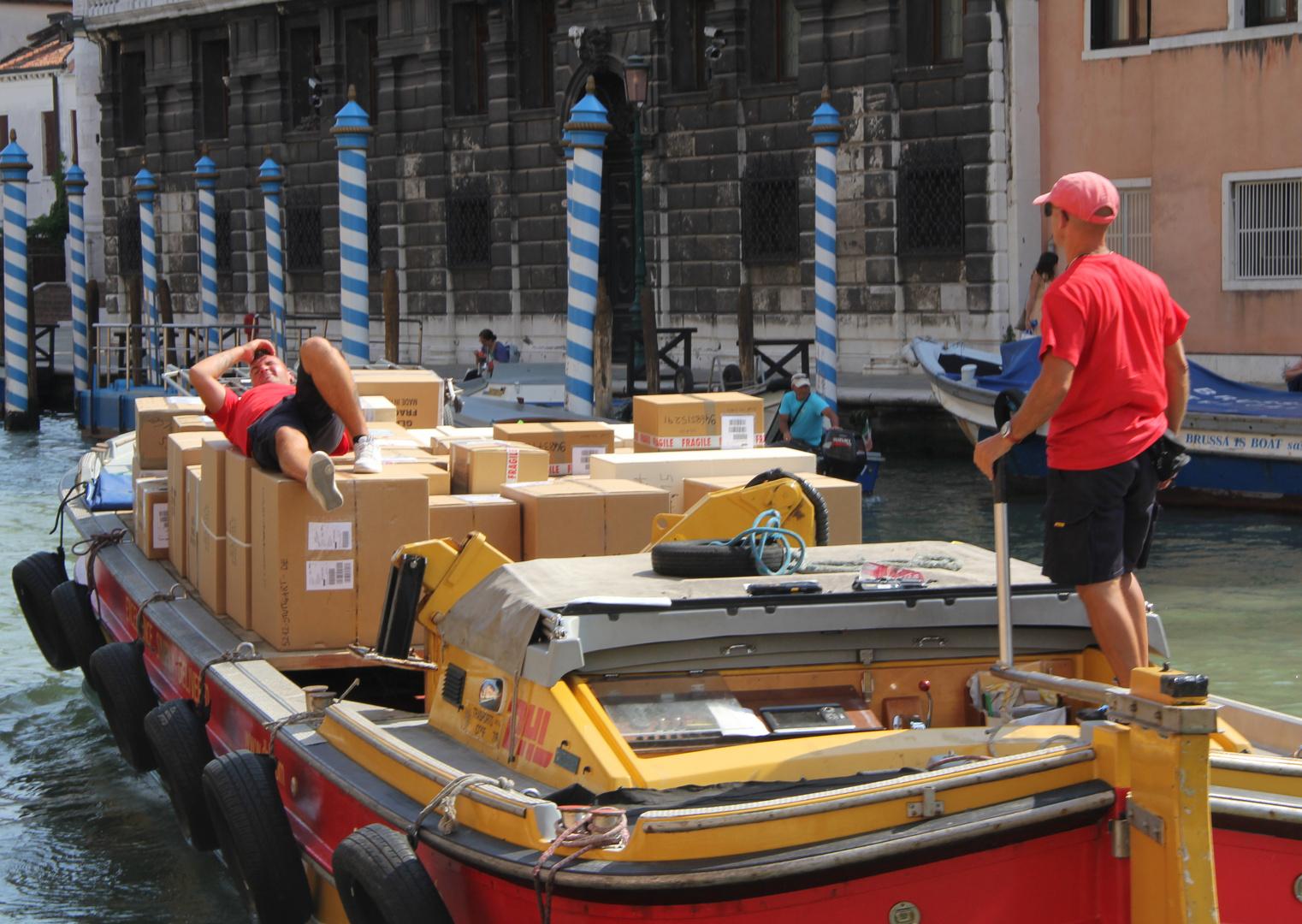 Entspannter Pakettransport
