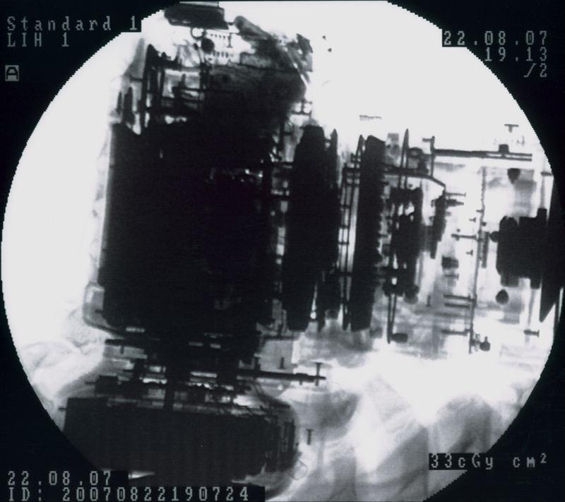 EOS 30D bei der Arbeit im Röntgenbild