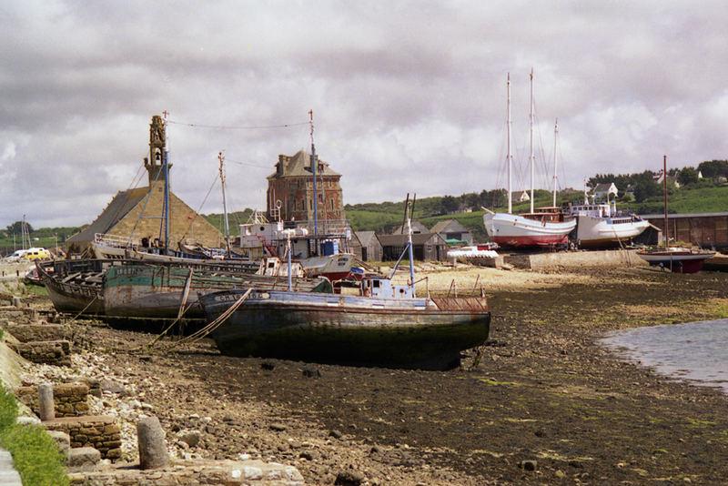 Epaves dans le port de Camaret
