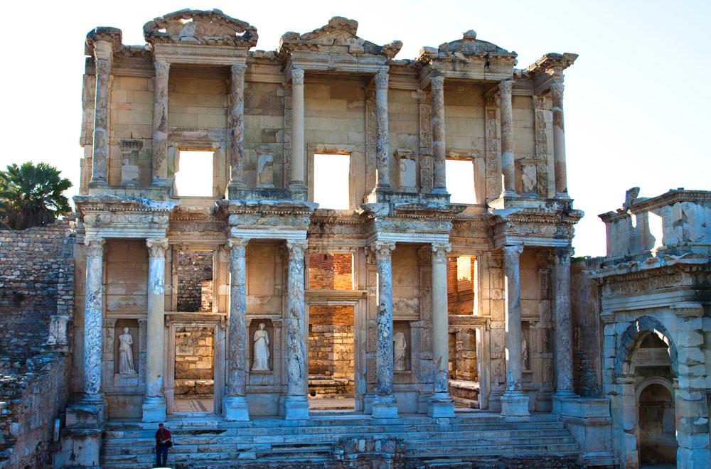 Ephesus-Celsus-Bibliothek9