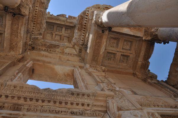 Ephesus: Kassettendecke der Bibliothek