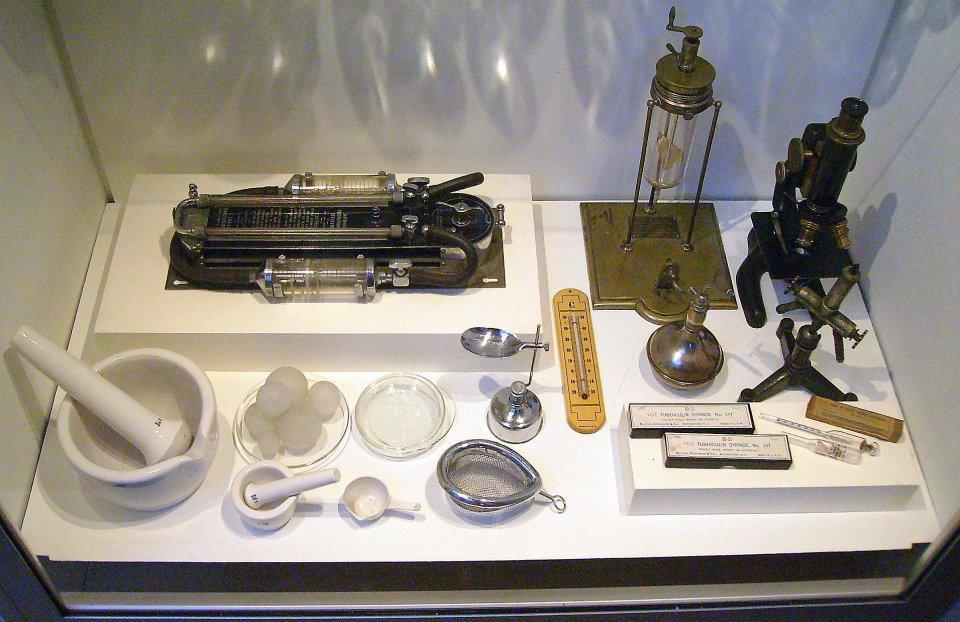 Equipo de salud en museo Bogotano