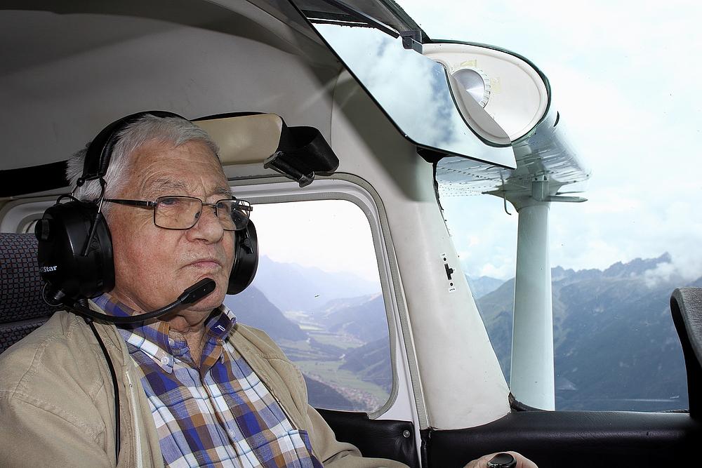 er fliegt seit 47 jahren- auf CESSNA - Walter Lechleitner