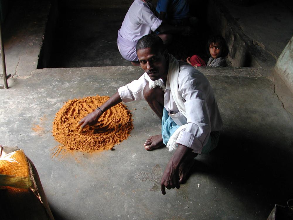 Er mahlt etwas in Pondicherry