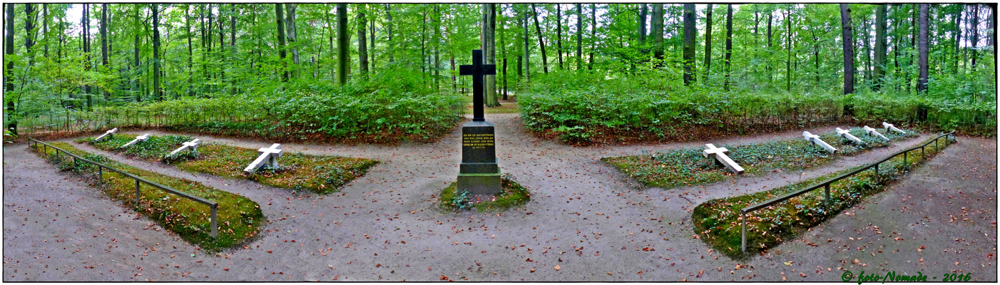 Erbbegräbnisstätte  der Fürstenfamilie Pückler ..