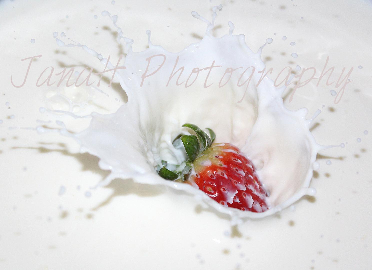 Erdbeere in Milch