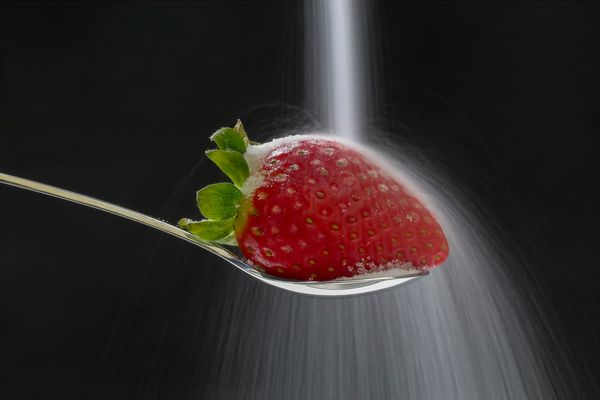 Erdbeere mit Zuckerdusche