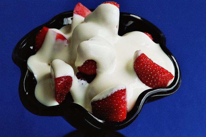 Erdbeeren mit Vanillesauce