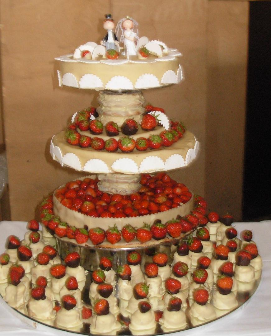 Erdbeertorte zur Hochzeit