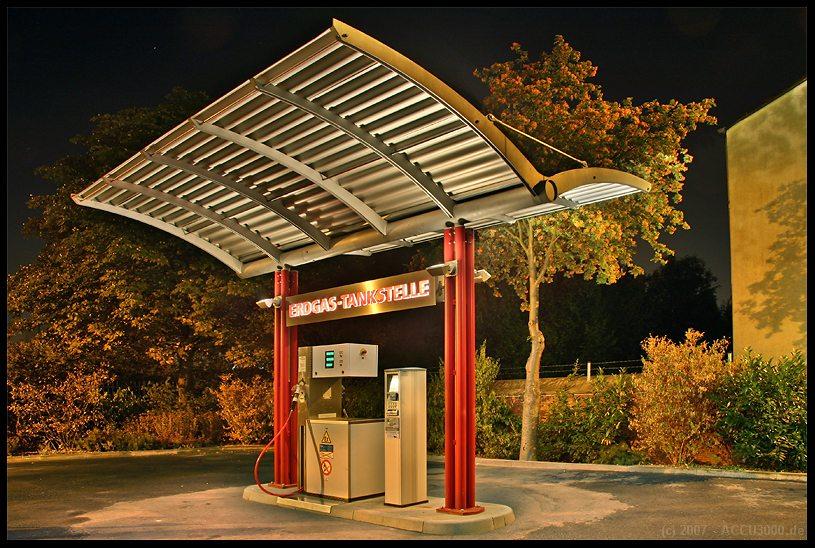 >> Erdgas Tankstelle
