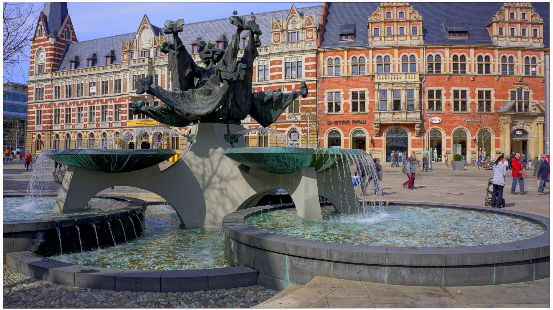 "Erfurt, Am Anger, Brunnen (la plaza ""Am Anger"", fuente)"