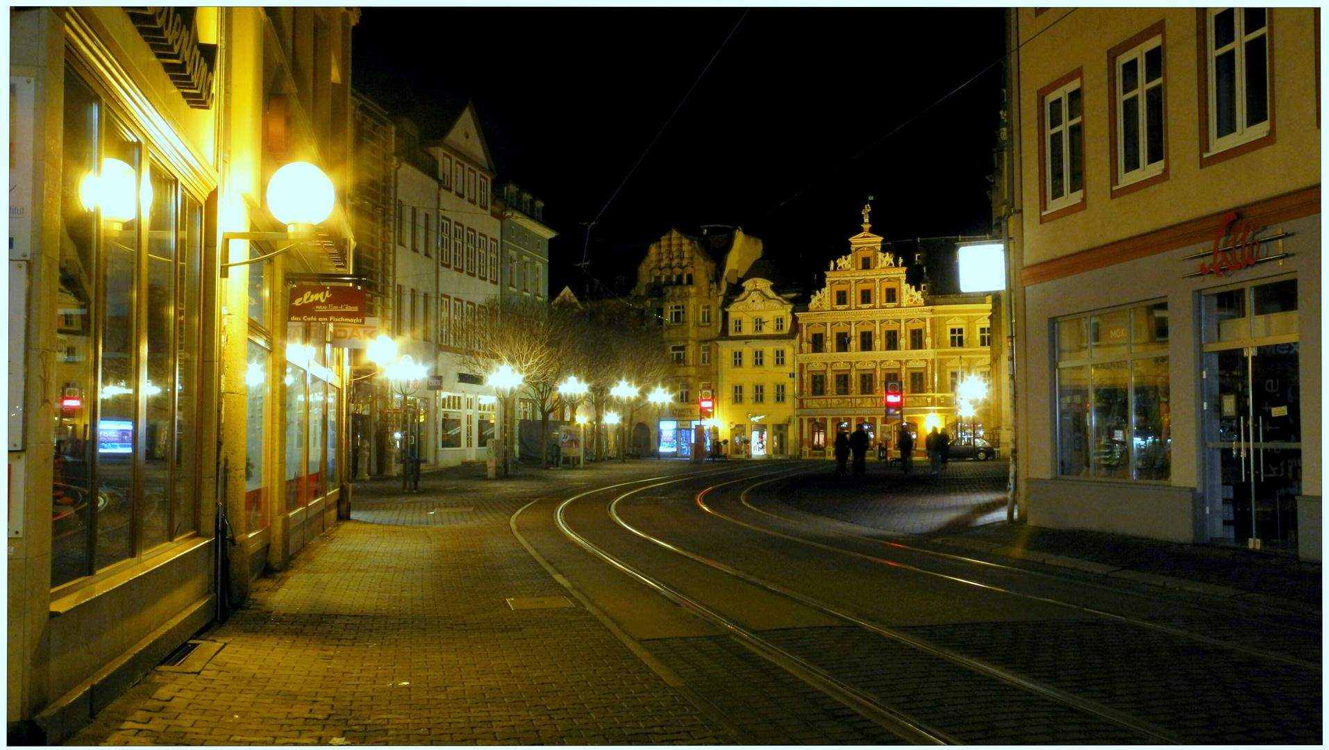 "Erfurt, calle a la plaza ""Fischmarkt"""