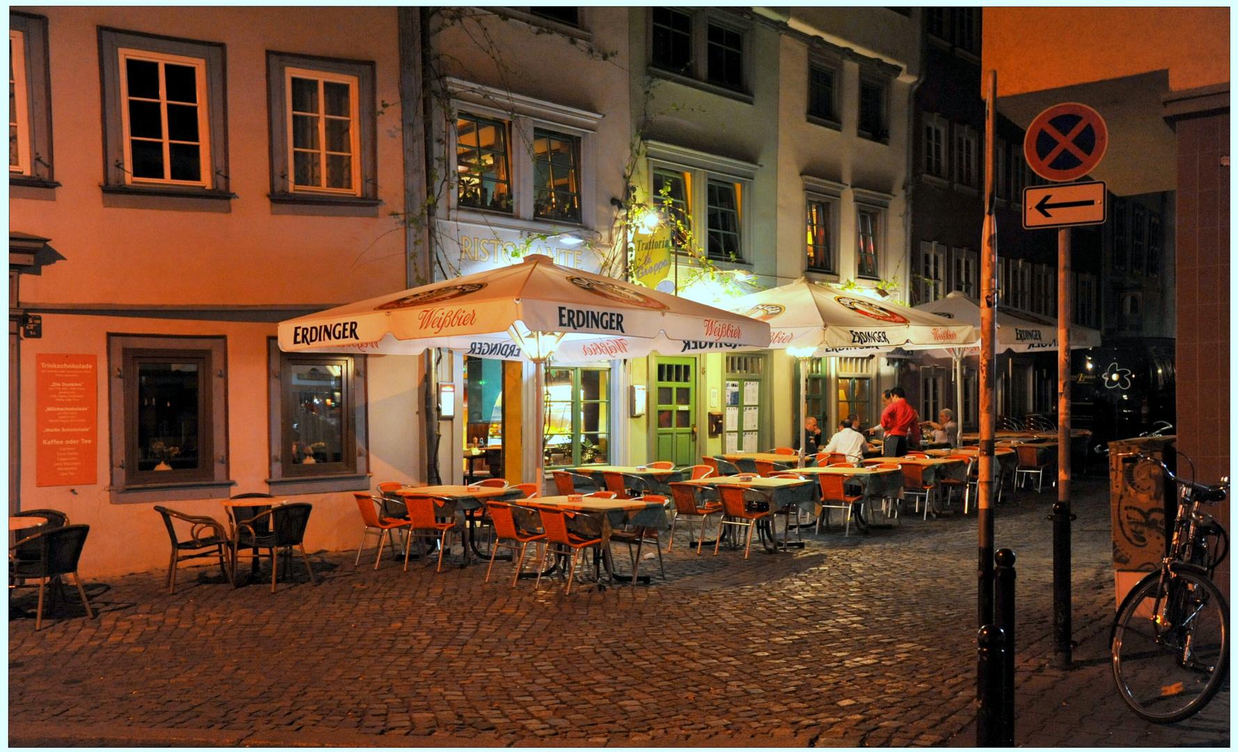 Erfurt, un restaurante por la noche