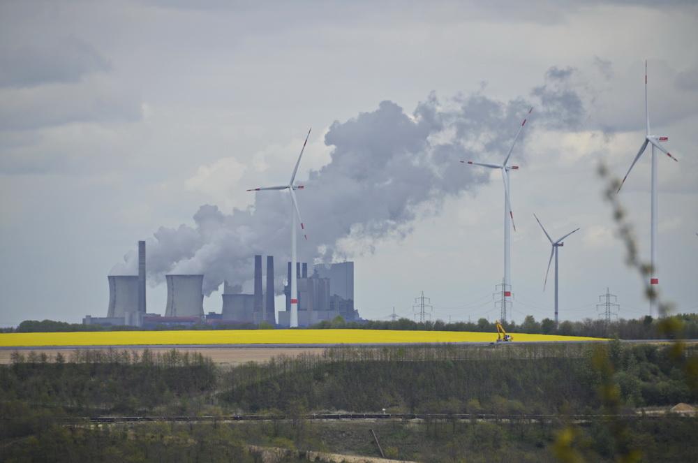 Erneuerbare und nich erneuerbare Energie vereint