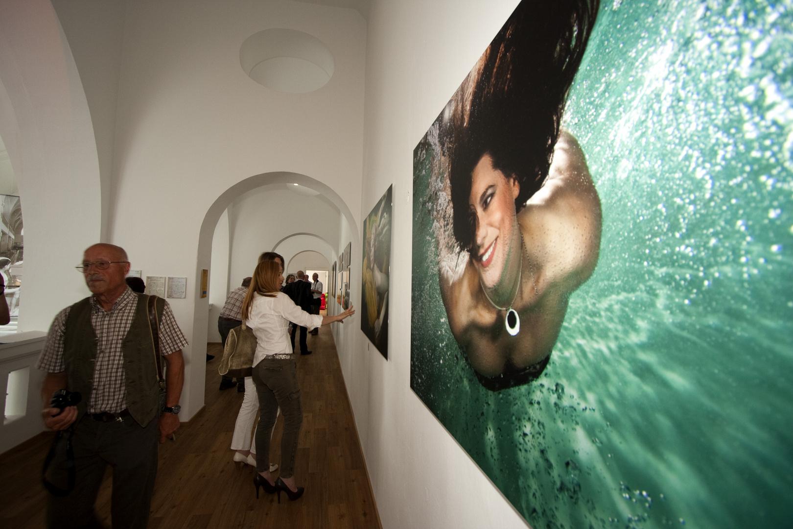 """Eröffnung des StaTTbades Neuwied am 20.06.2011 - Ausstellung """"Unter Wasser"""" (2)"""