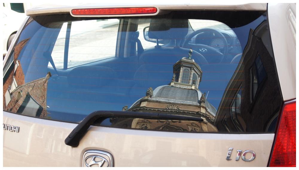 Erst in die Kirche, dann in's Auto?