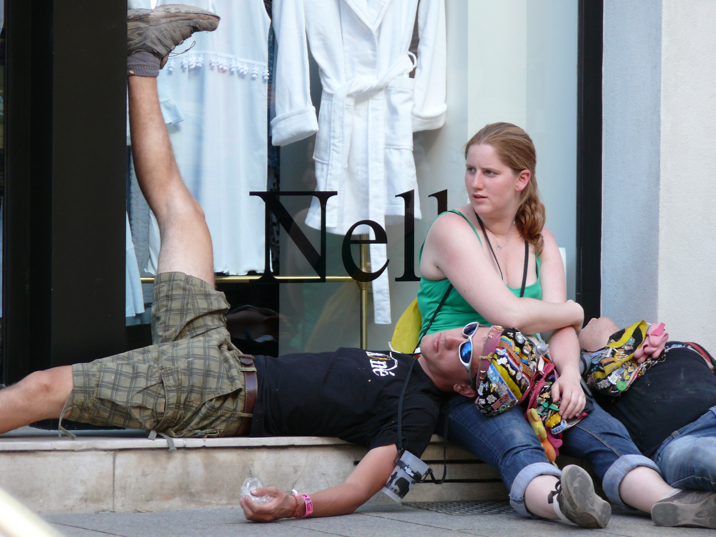 Erst mal die Beine hoch - Studentenfeier in Nancy