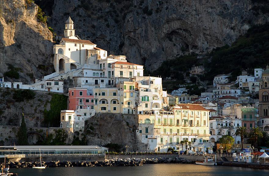 erste Sonnenstrahlen auf Amalfi