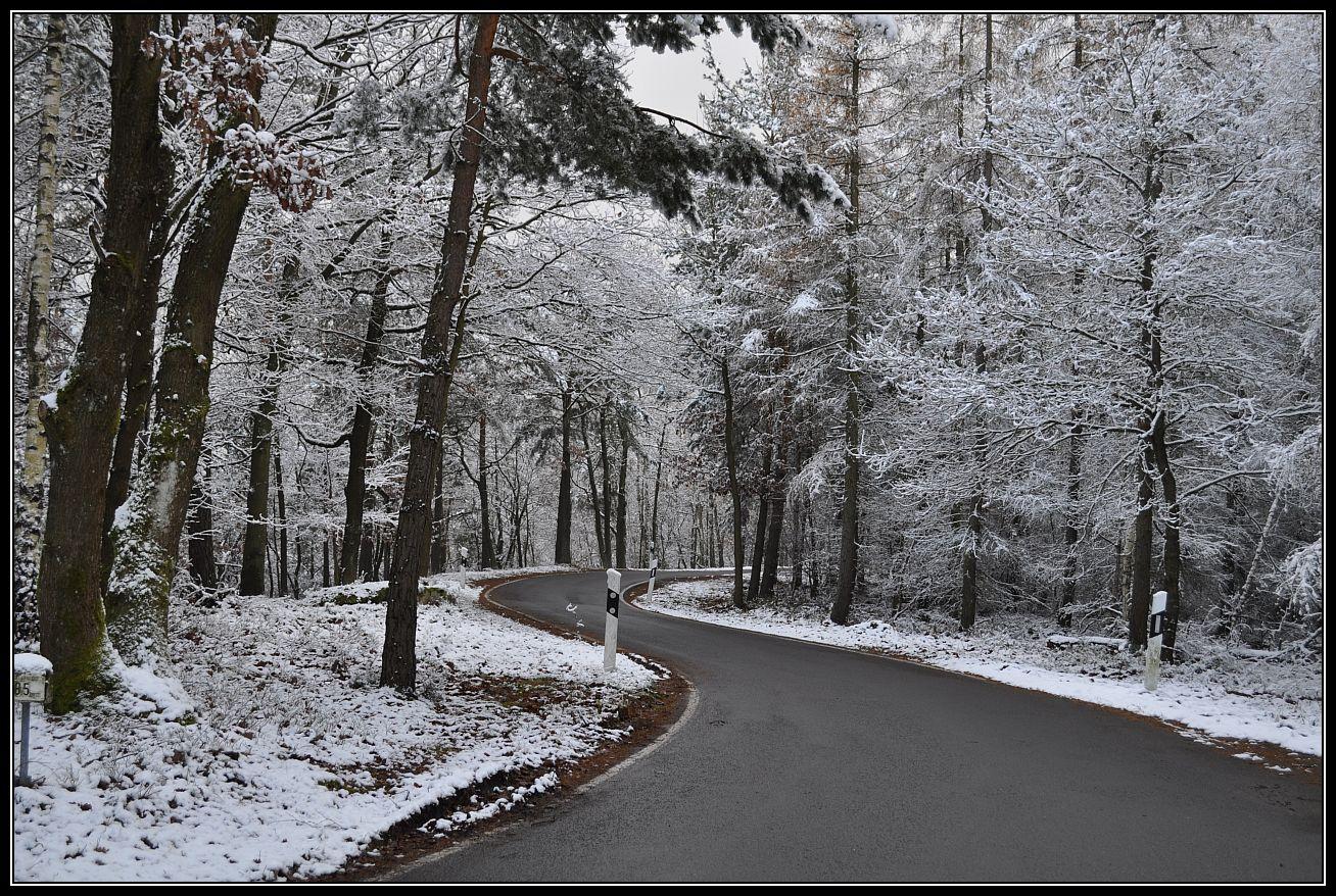 Erster Schnee und S-Kurve....