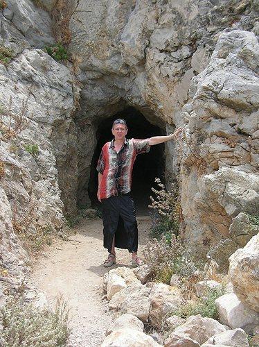 Erswicht! Höhlenmännchen im Rock