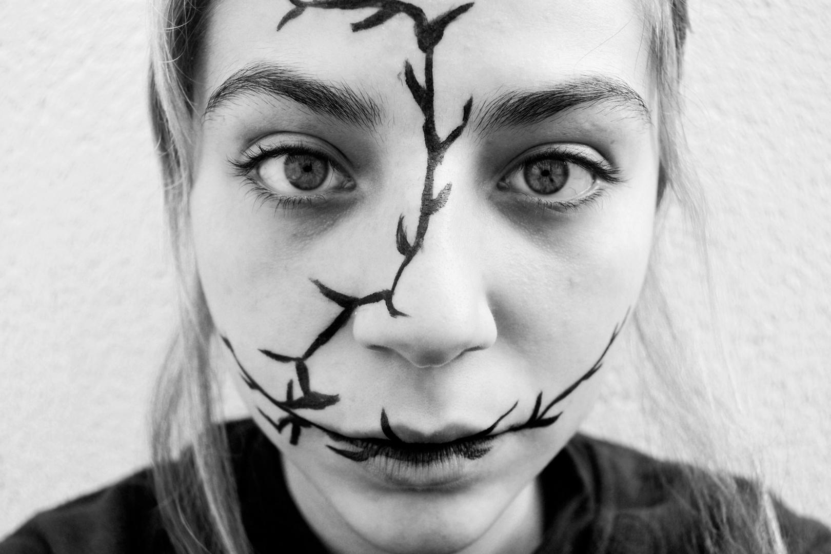 Es como si la locura floreciese. Pero en ramas muertas.