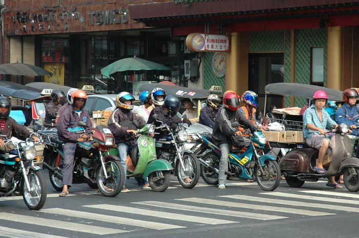 """Es geht los"" Chinatown Bangkok."