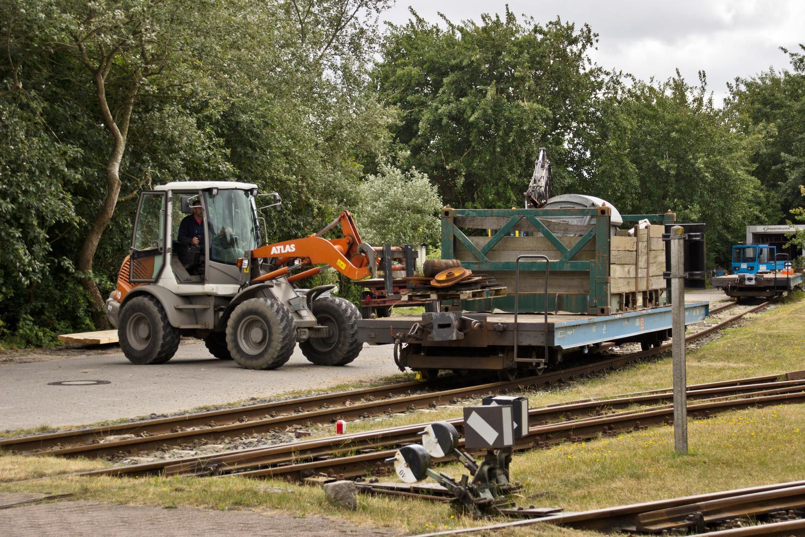 Es gibt auch richtige Güterzüge...