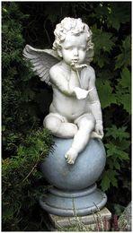 Es ist der Engel der Fröhlichkeit,