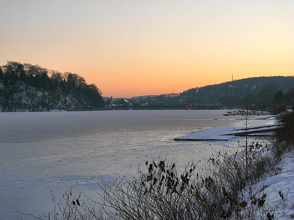 Es ist Winter am Baldeneysee